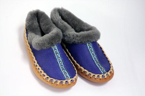 44-pantofli